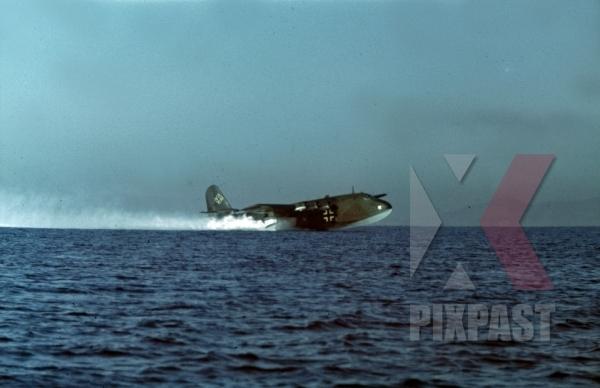 stock-photo-v6-german-luftwaffe-seaplane-blohm-amp-voss-bv-222-viking-tripoli-harbour-in-libya-1942-11236.jpg