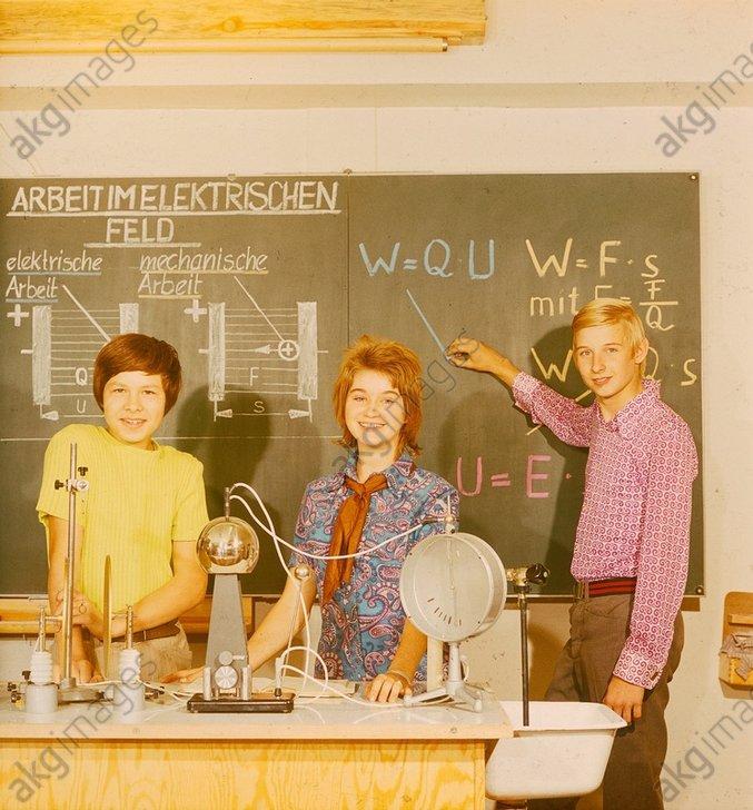 Schule, Physikunterricht / Foto 1972 - -