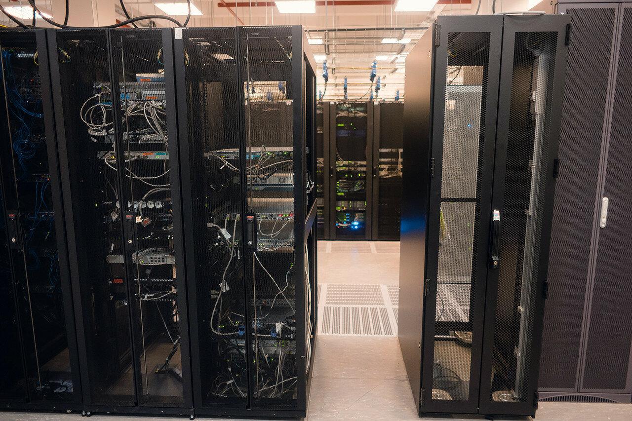 Серверные шкафы в ЦОД Мегафон