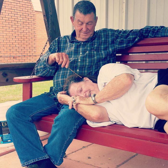«Мои родители отпраздновали годовщину свадьбы. Вот как выглядит любовь, пережившая 54 года».