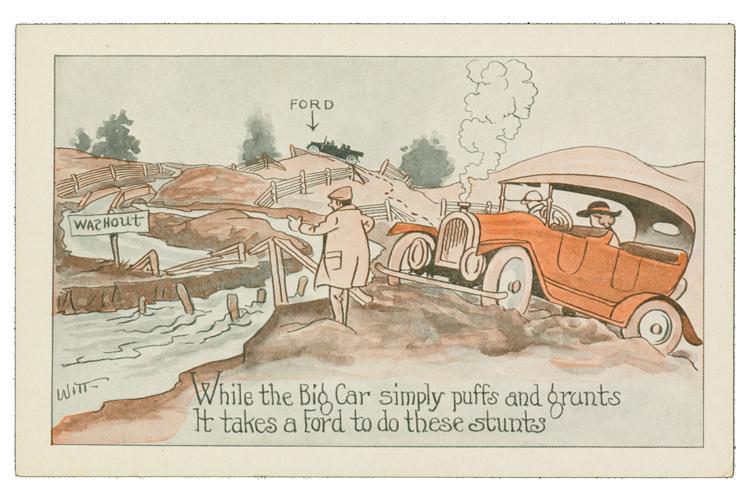 Юмористическая открытка: Model T обгоняет автомобиль другой марки, застрявший в грязи, 1915