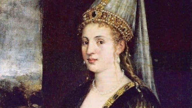 Хюррем была наложницей, а затем и женой османского султана Сулеймана Великолепного. Чтобы выделится
