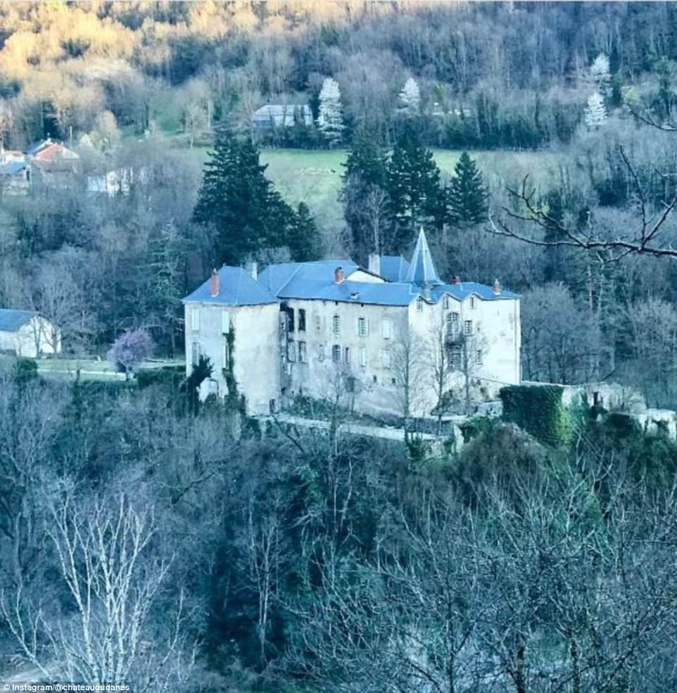 По поводу будущего шато супруги говорят, что «замок не будет местом для посещений, воссоединения с з