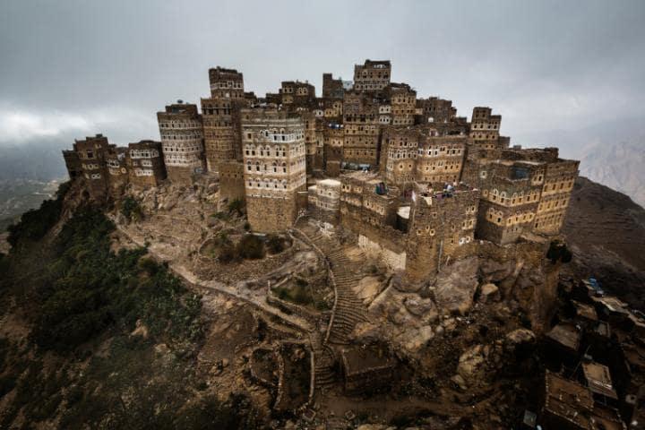 Старая часть Саны, Йемен. Под угрозой с 2015 года. В отдельную группу ЮНЕСКО включило исторические и