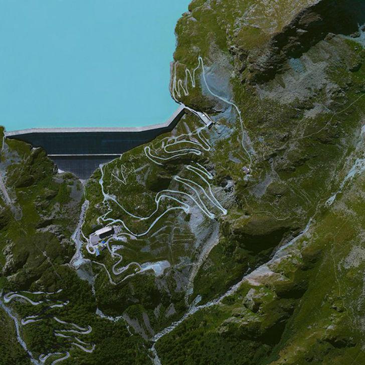 Гидрокомплекс Клезон-Диксенс, Швейцария, — гидроэнергетический комплекс в бассейне реки Рона, включа