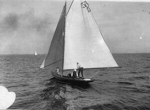 Яхта 5А-13 на дистанции гонок по Финскому заливу