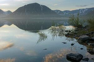 ...восход на озере...