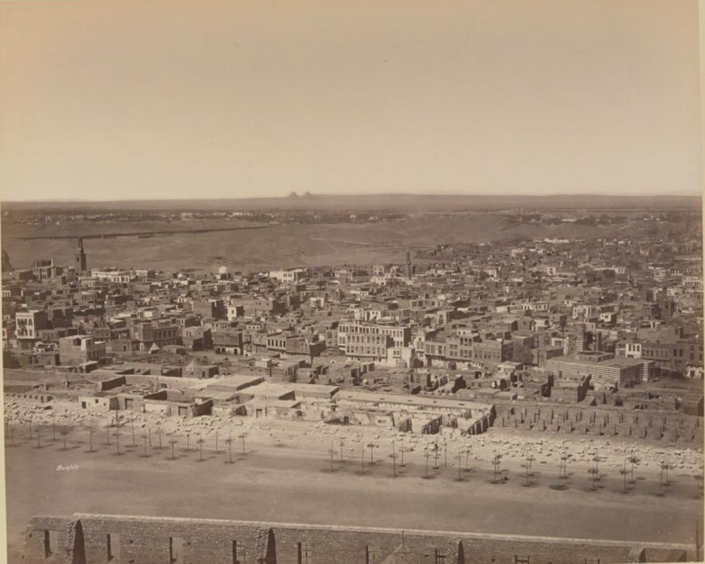 Вид Каира с Пирамидами на горизонте