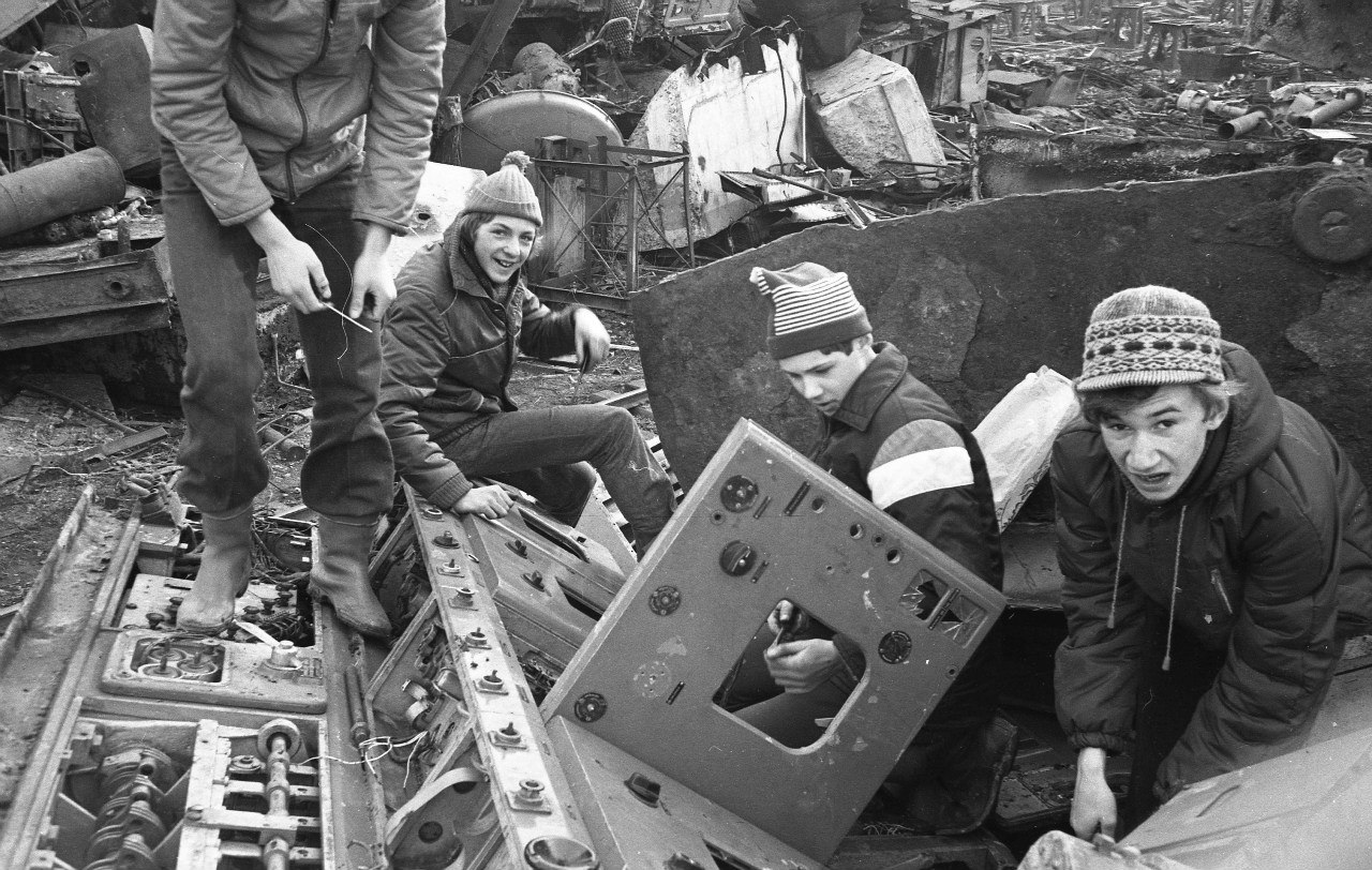 Угольная гавань. Пионеры курочат подлодку