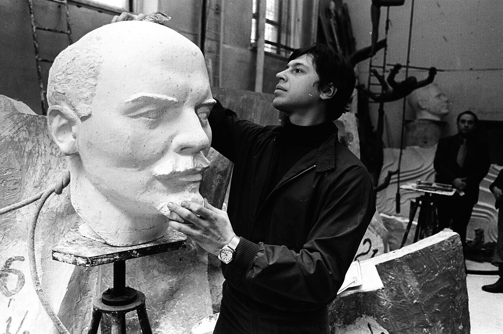 Скульптор в Москве