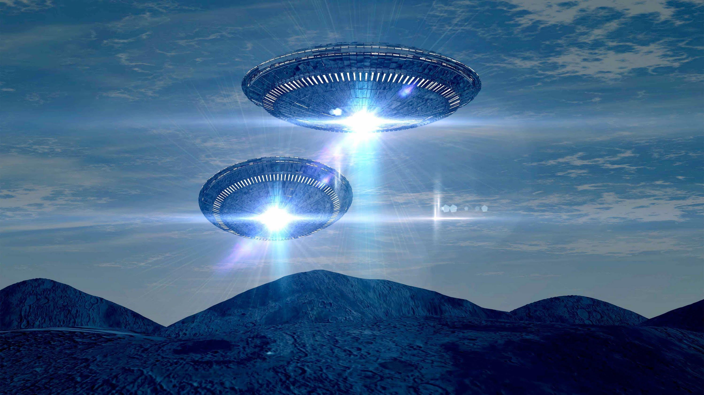 Открытки. С Всемирным днём НЛО. Тарелки в небе