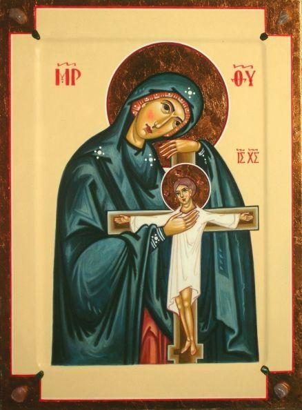 Ахтырская икона Богородицы. Здесь Христос изображен распятым уже в своем взрослом земном возрасте