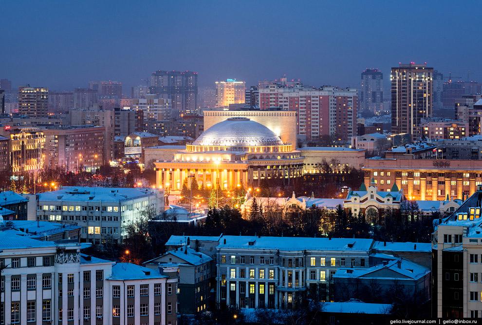4. Силуэт оперного театра с его огромным куполом стал «фирменной» визитной карточкой сибирского