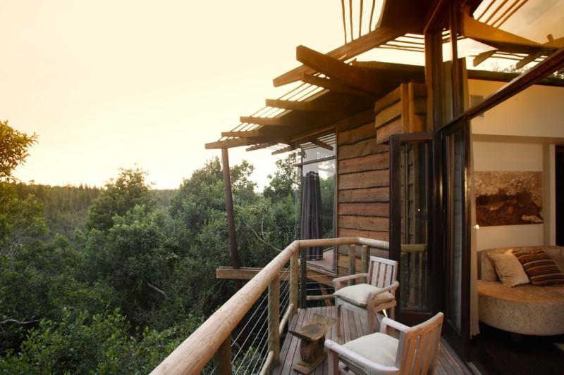 Tsala Treetop Lodge, ЮАР Захватывающим видом на лес можно насладиться из номера на верхушке дерева в