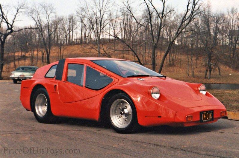 Всё на той же базе Volkswagen Beetle в 60-х продавался вот такой, ни на кого непохожий, и тоже очень