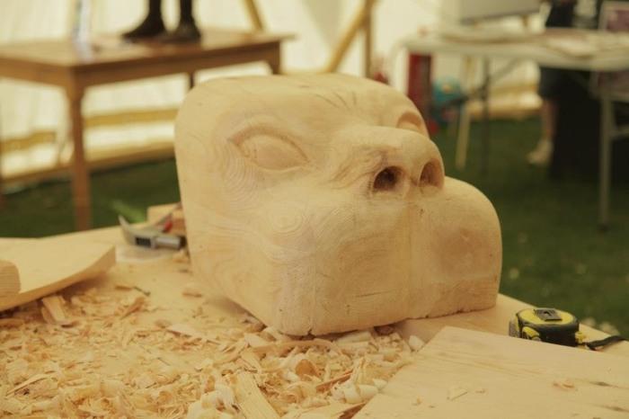«Похороните меня в брюхе льва »: одна из самых странных погребальных традиций Африки