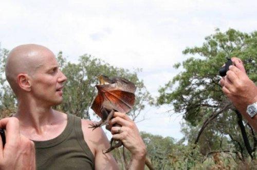 Брайан Фрай (Bryan Fry) до сих пор помнит, как его укусила ящерица, и все еще чувствует ее зубы на с