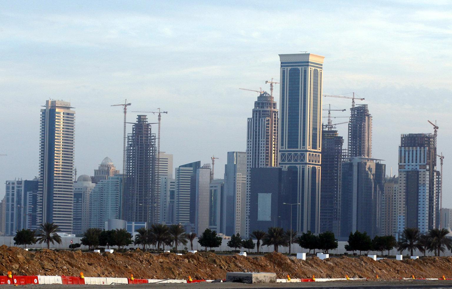 В Катаре вы можете свариться от жары, при этом ходить с открытыми плечами и в одежде выше колен — не