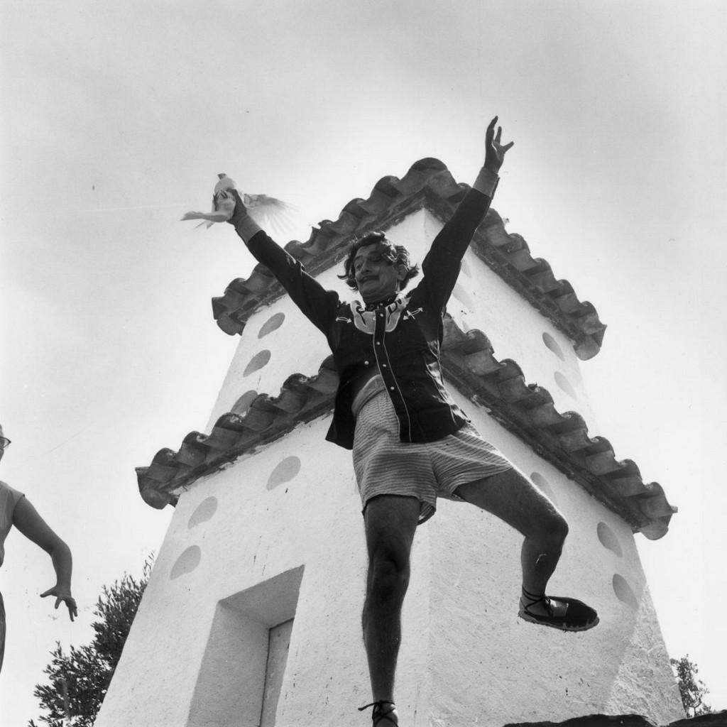 Домашнее безумие: на собственной вилле Сальвадор Дали тем более никого не стеснялся (13 фото) 18+