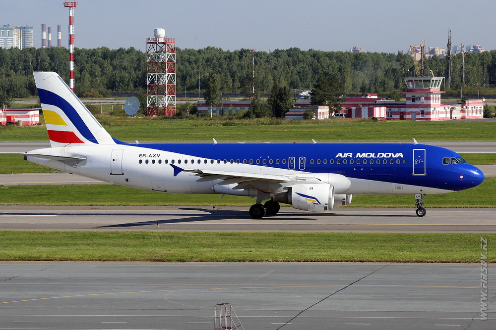 A-320_ER-AXP_Air_Moldova_1_LED_.JPG