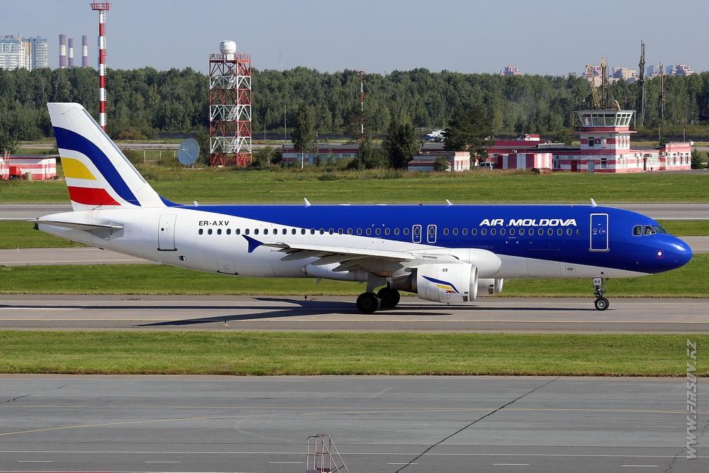 A-320_ER-AXP_Air_Moldova_1_LED_.JPG