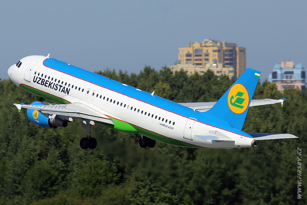 A-320_UK-32011_Uzbekistan_Airways_4_LED_for_.JPG
