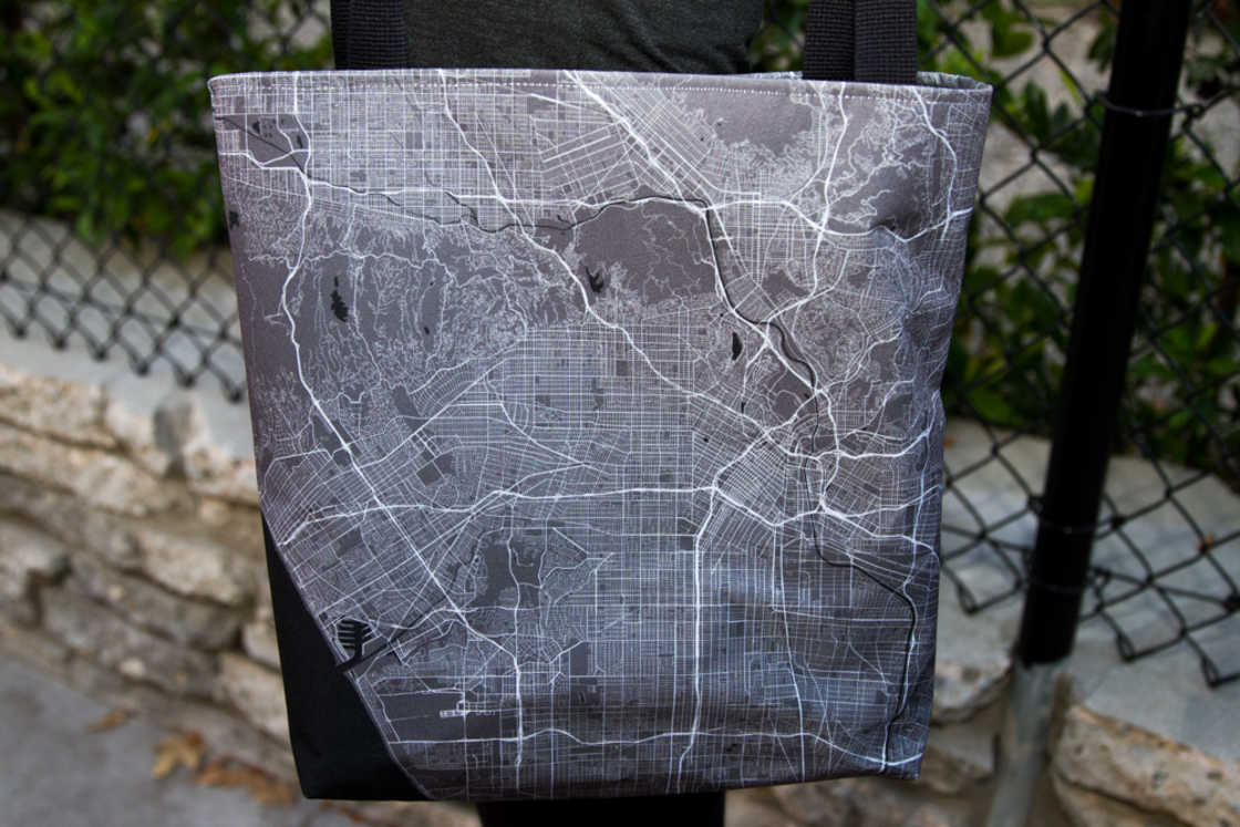 Monochome - Print any map on your clothes and accessories