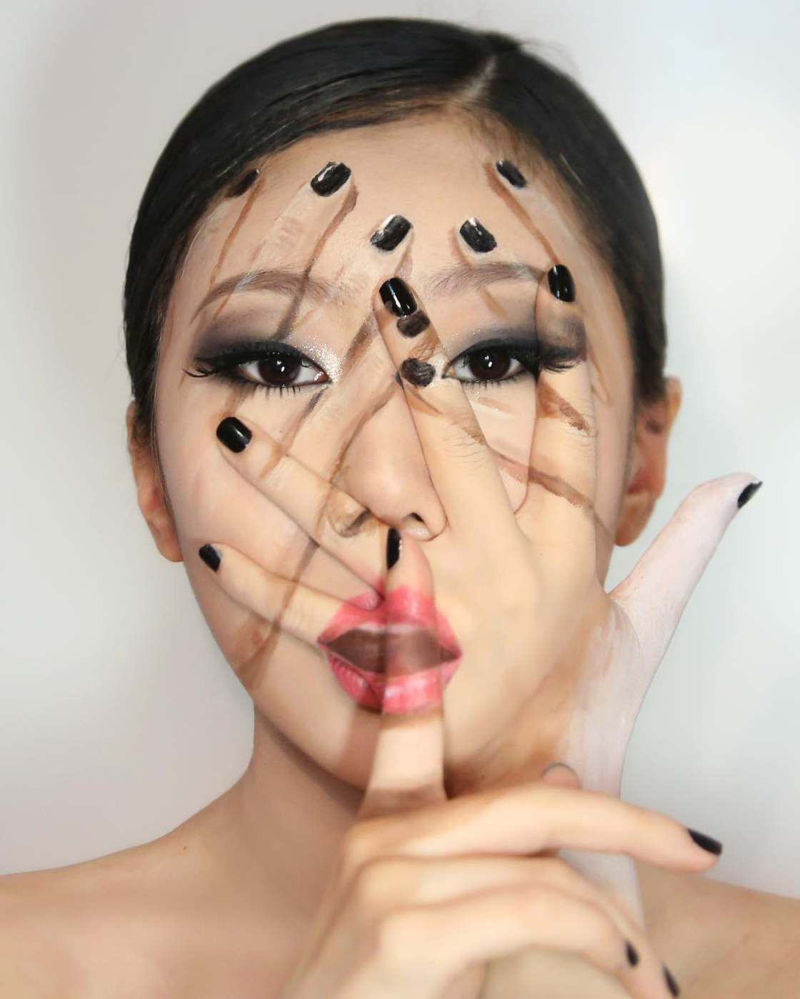 The latest body illusions by Dain Yoon