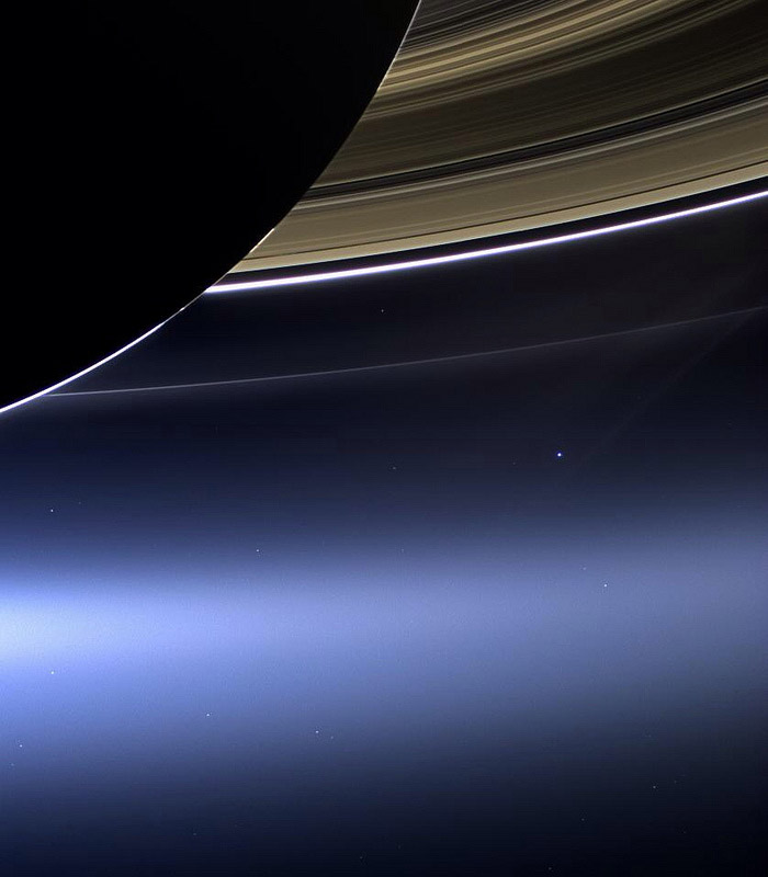 NASA Releases Photo of Earth Taken from the Dark Side of Saturn by the Cassini Spacecraft (2 pics)