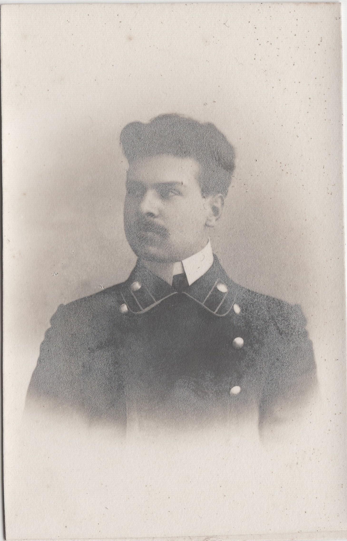 Студент Попов Аркадий. II отделение 1 разряд.