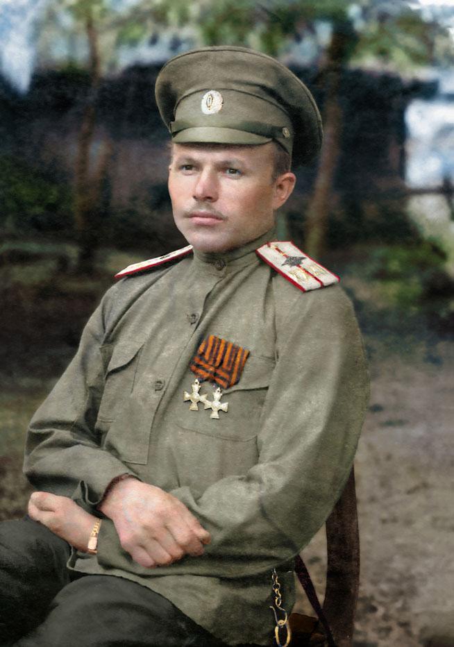 Военный лётчик 32-го корпусного авиаотряда прапорщик В.Ф. Вишняков
