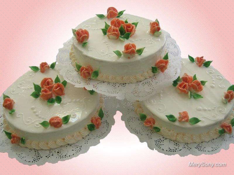 Красивые тортики, белые с розами.  С международным днем торта! открытки фото рисунки картинки поздравления