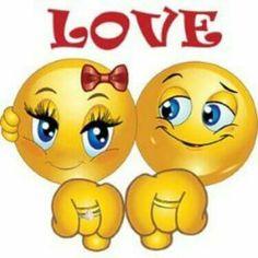 Влюбленные смайлики показывают колечки открытки фото рисунки картинки поздравления