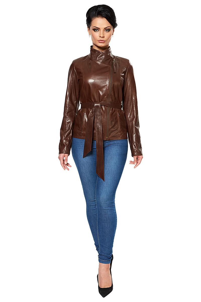 Мотоциклетные кожаные куртки, имеющие асимметричный запах, появились в конце 30-х годов. Кожанки шил