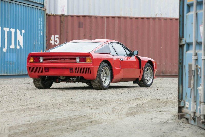 Пробег машины, выставленной на продажу, составляет 9,4 тысячи километров.