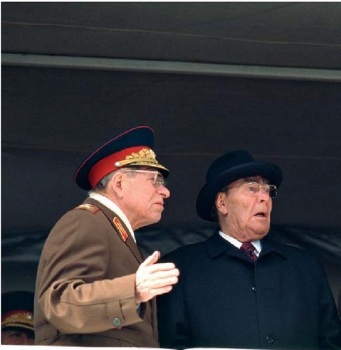 Свои первые снимки Лев Николаевич опубликовал в «Советском фото», позже снимал для «Известий», затем