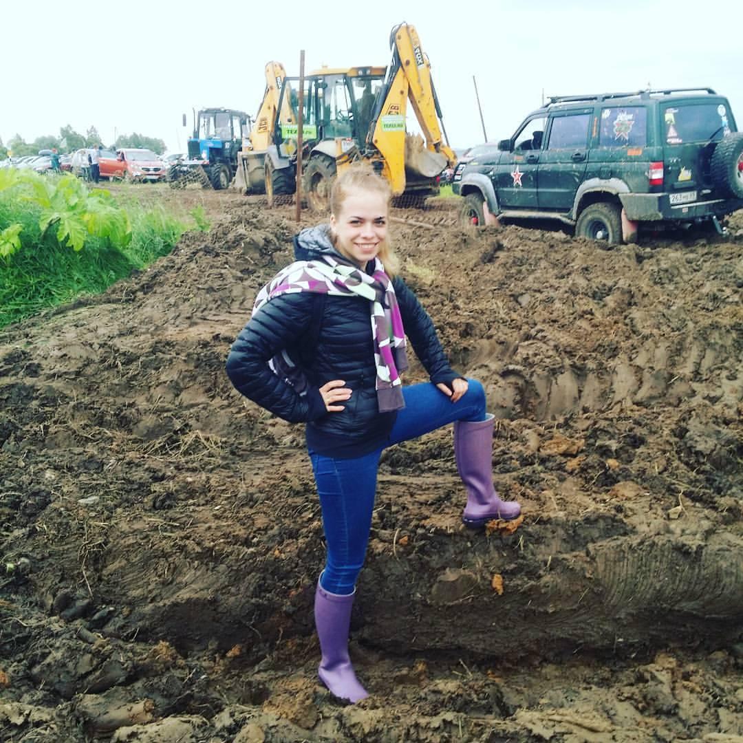 Грязные девчонки: Фото девушек с фестиваля НАШЕСТВИЕ — 2017 (150 фото)