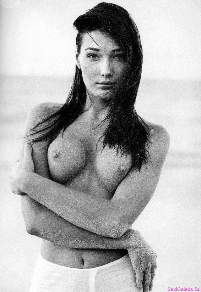 Самые незабываемые сексуальные фотографии Карлы Бруни (11 фото) 18+