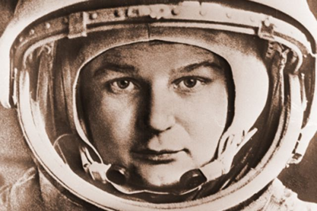 Оборты на орбите Согласно другой журналистской байке, в 1963 году лишился работы редактор газеты «Го