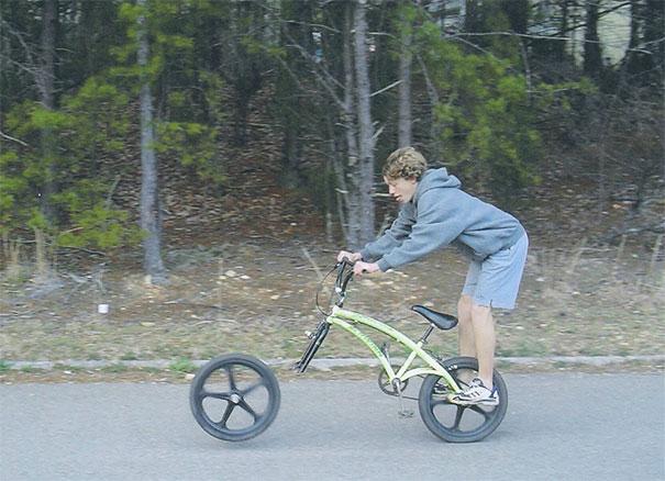 О том, почему на велосипеде нужно ездить в шлеме.