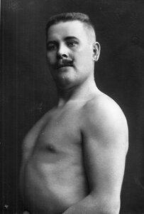 Портрет борца, участника чемпионата, Юстуса