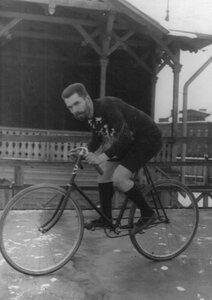 Велогонщик на дистанции