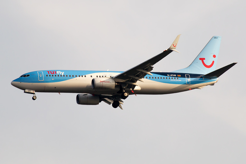 B-737_D-ATUO_TUIfly_1_FRA_for.JPG