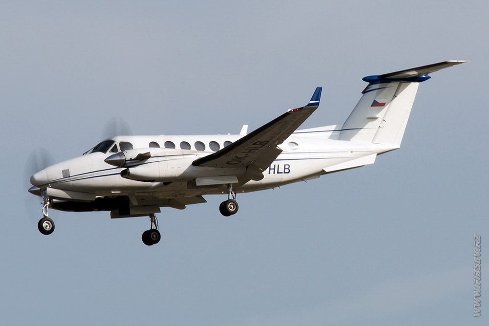 Beechcraft_B300_King_Air_350_OK-HLB _Aerotaxi_1_FRA.JPG