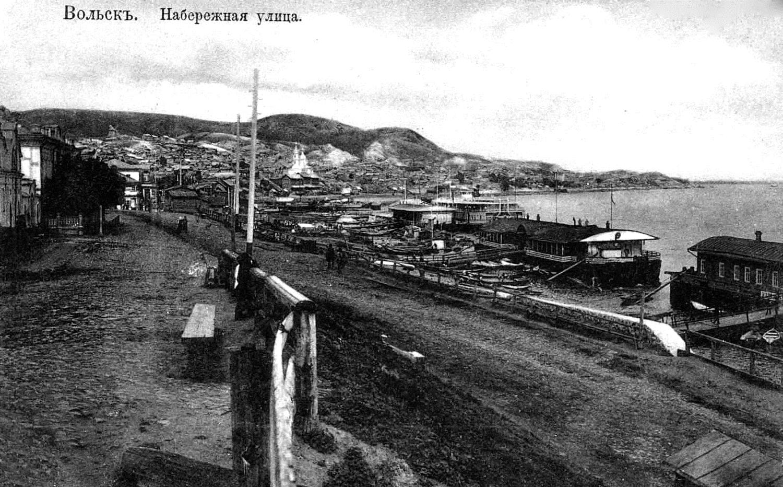 Набережная улица, вид на пристань и Церковь Успения Пресвятой Богородицы