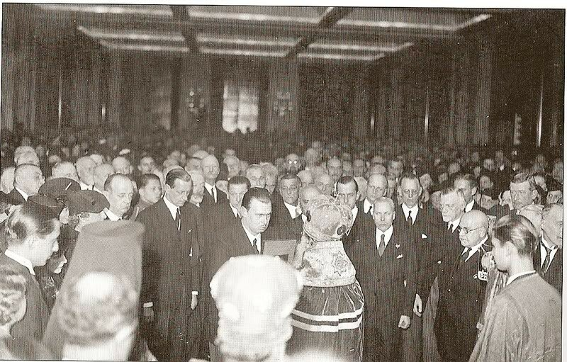 1938-12-18 Приём в Париже 1.jpg