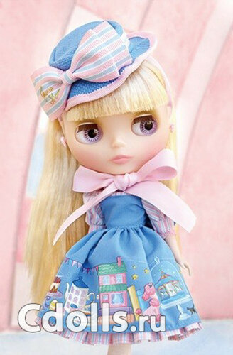 Neo Blythe Junie Moon Home Sweet Home 1.jpg