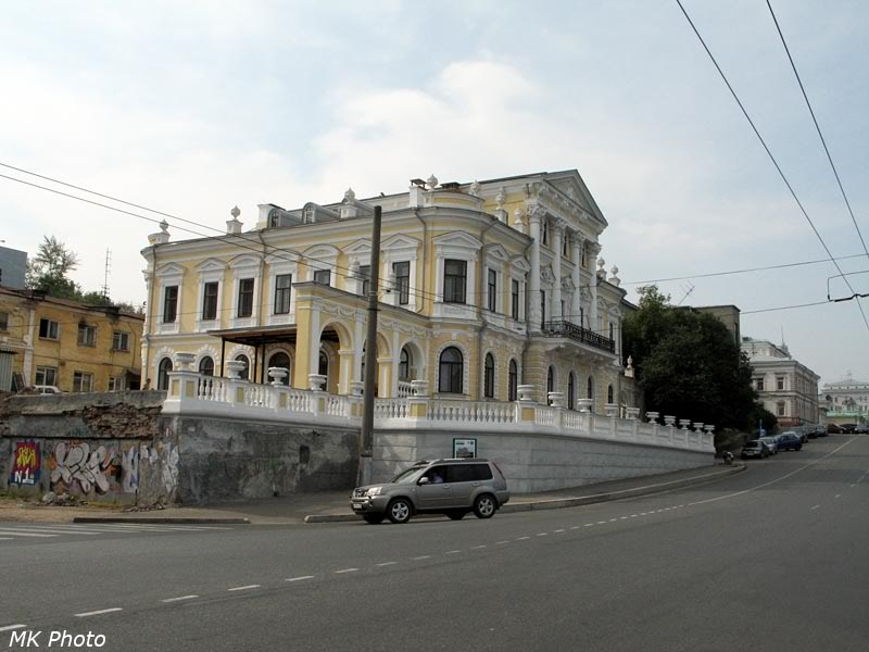 Здание краеведческого музея - дом Мешкова