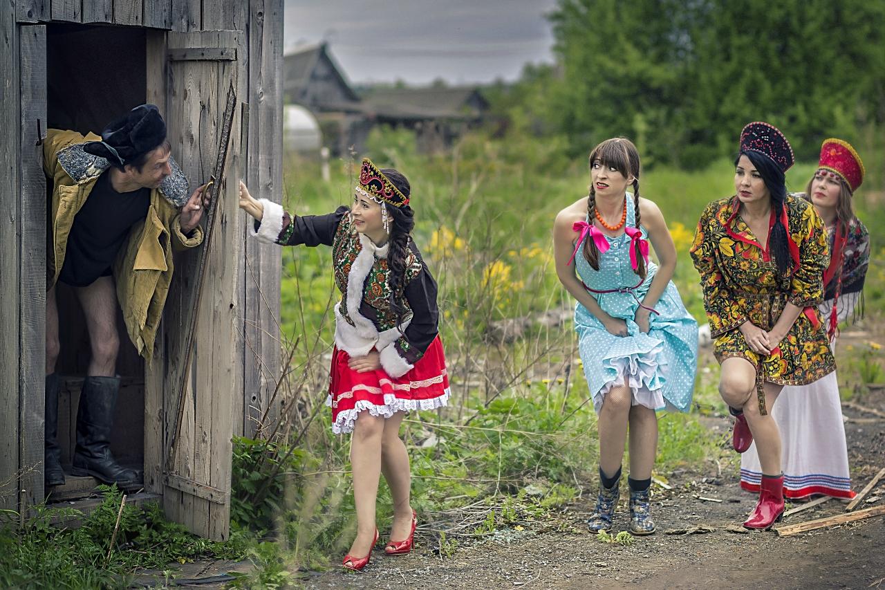 секс с сисястыми украинскими деревенскими бабами в хате