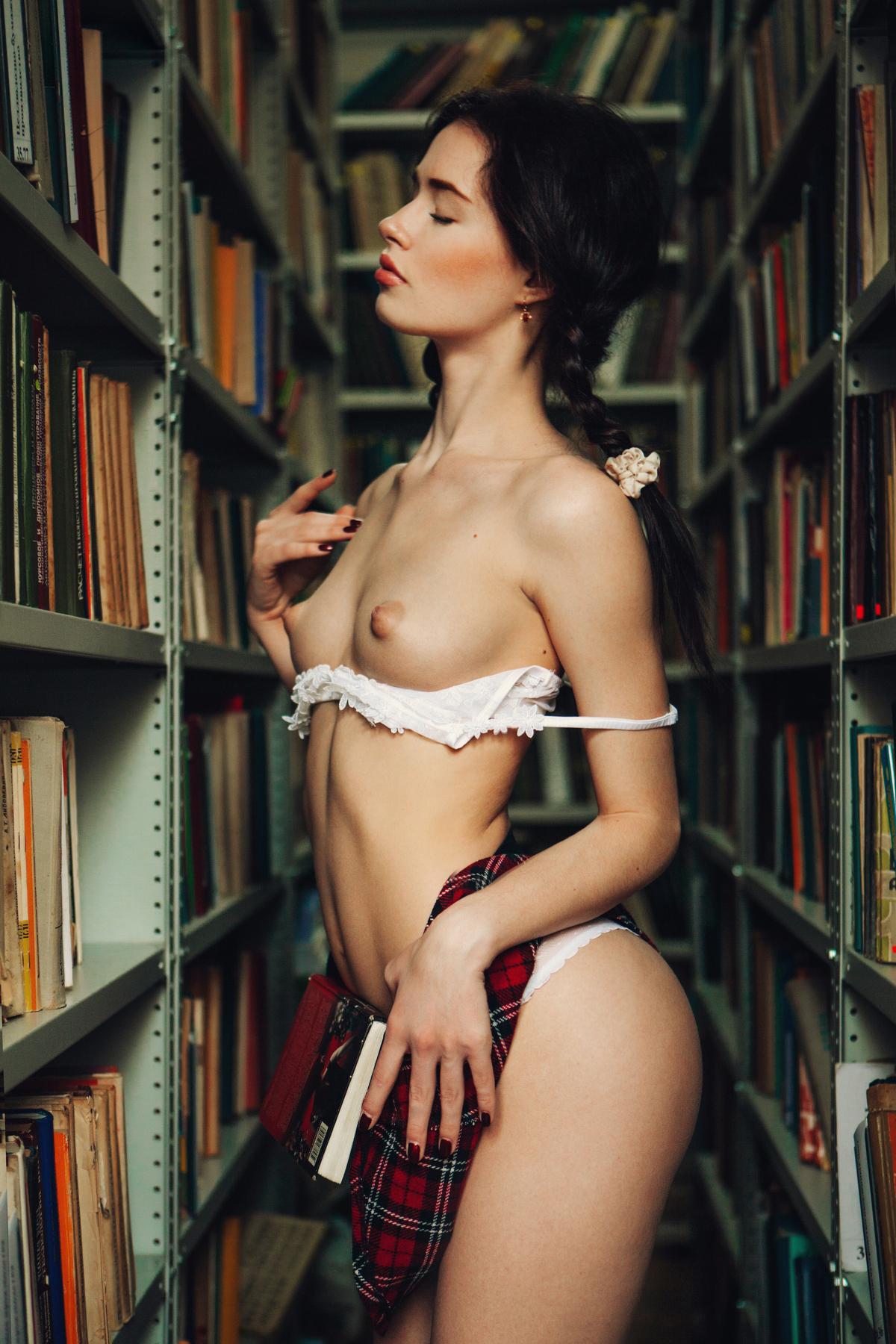В библиотеке / фотограф Пирожкова Аня